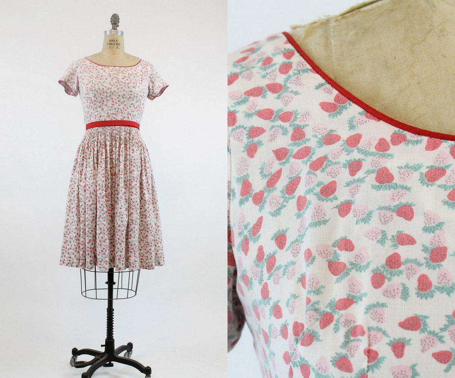 1950s strawberry print dress xs | vintage novelty print cotton