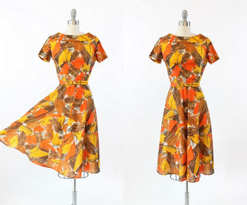 1950s swing dress | silk leaf print | xs