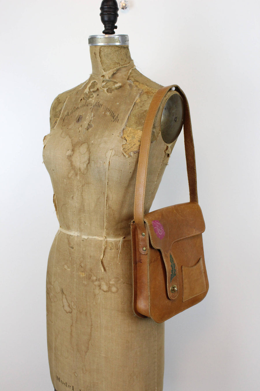 70s Tooled Leather Shoulderbag / 1970s Carved Leather Saddle Bag / Little Poppy Purse