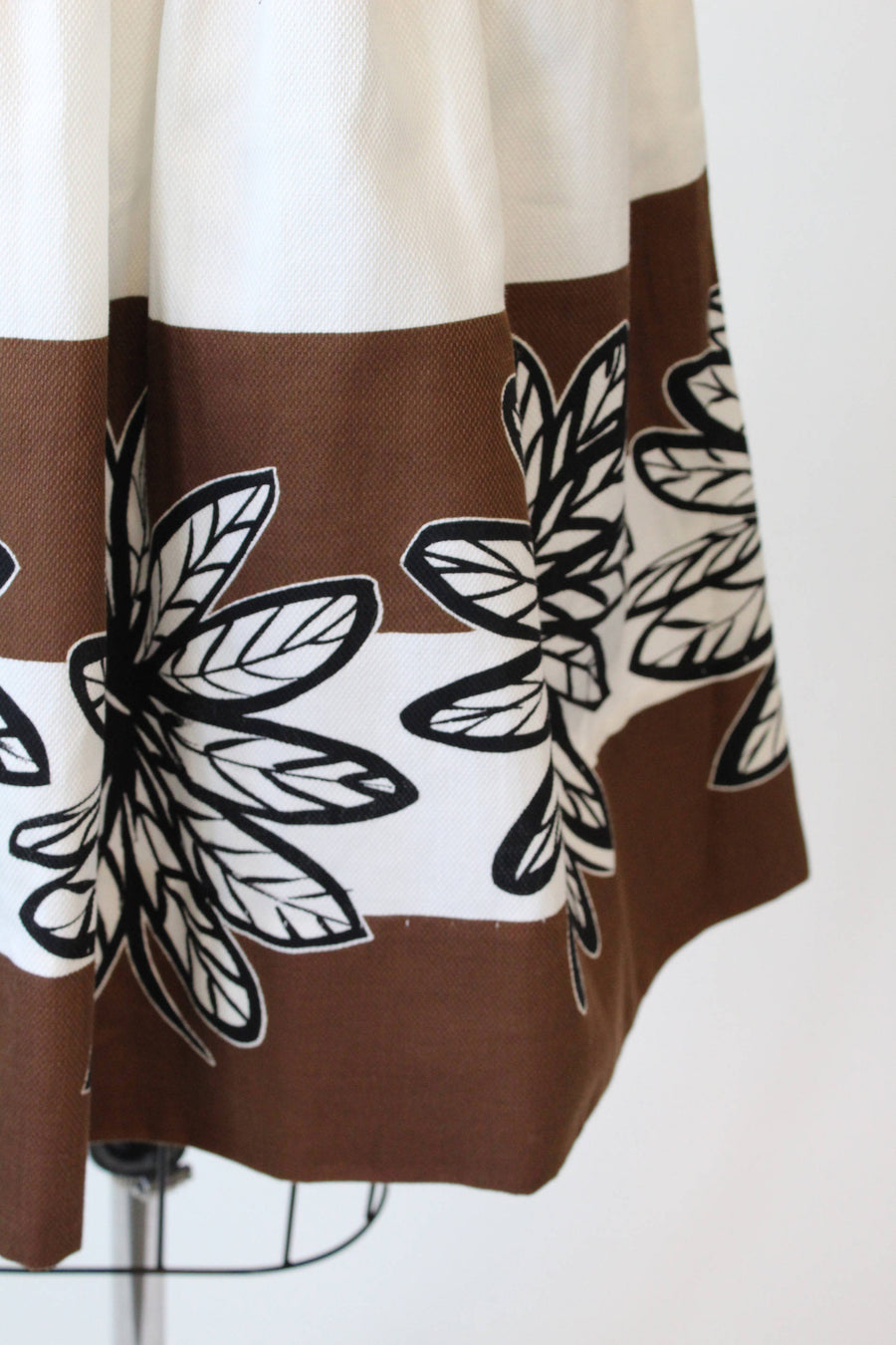 1950s deadstock novelty print skirt xxs | vintage cotton skirt