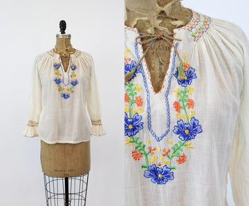 70s does 30s Hungarian Blouse XS Small / 1970s India Cotton Embroidered Blouse /  Sunray Blouse