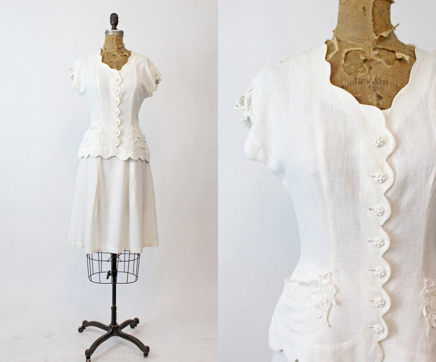 1940s Carole King white linen 2 piece set xs | vintage scalloped suit