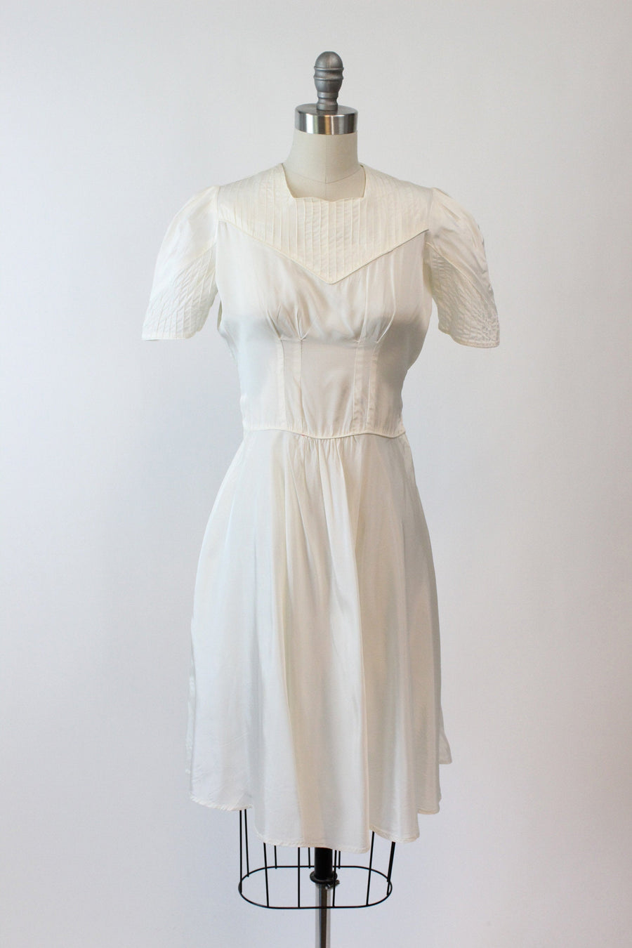 1930s pintucked puff sleeve dress xs | vintage dress | new in