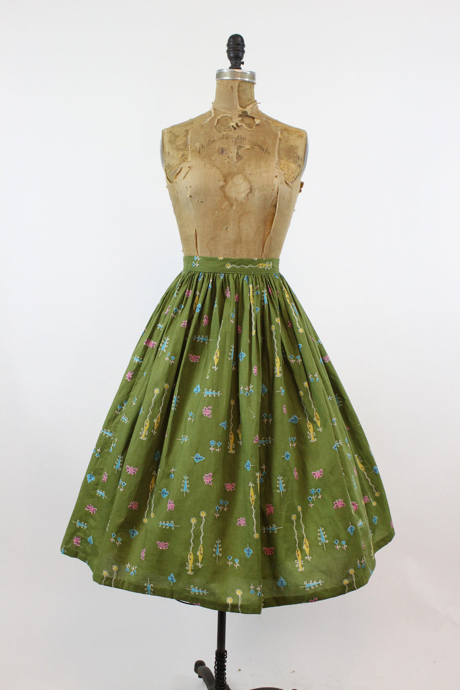 1950s novelty print skirt | fish and bumblebee print | xs