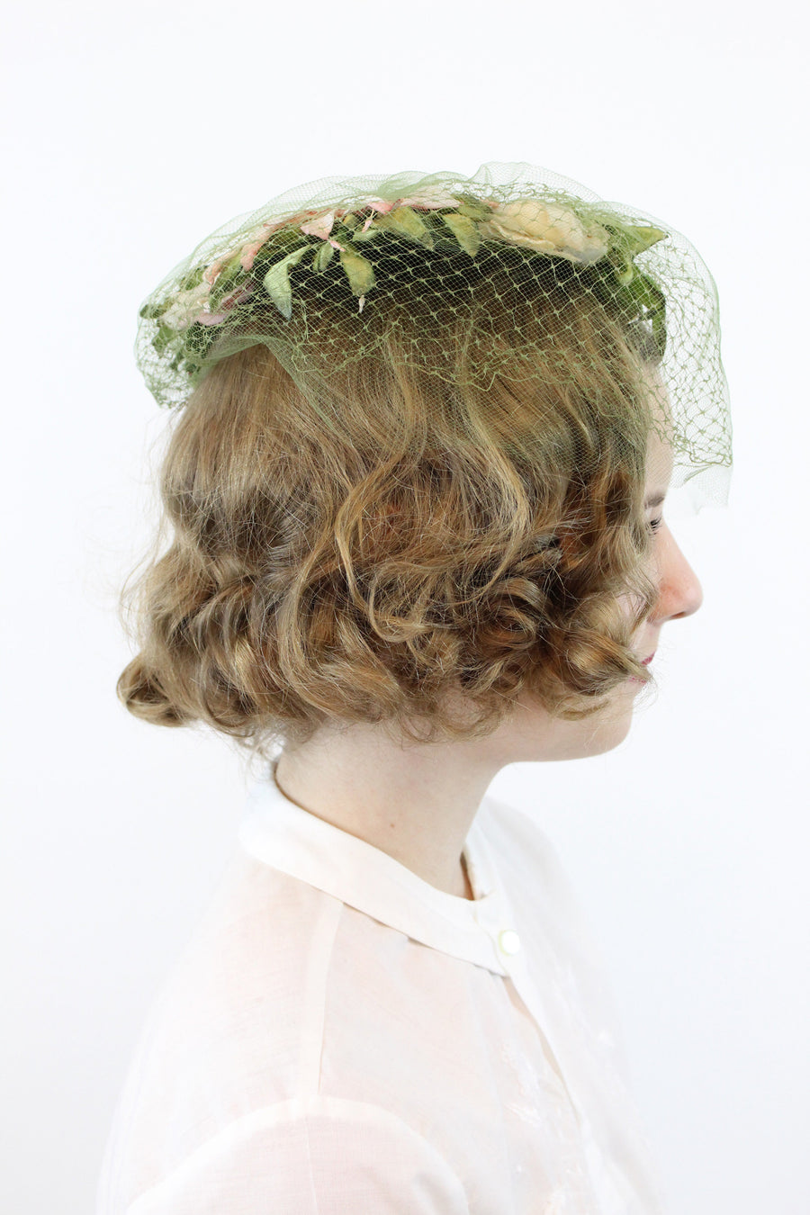 1960s rose capulet hat and veil | vintage fascinator