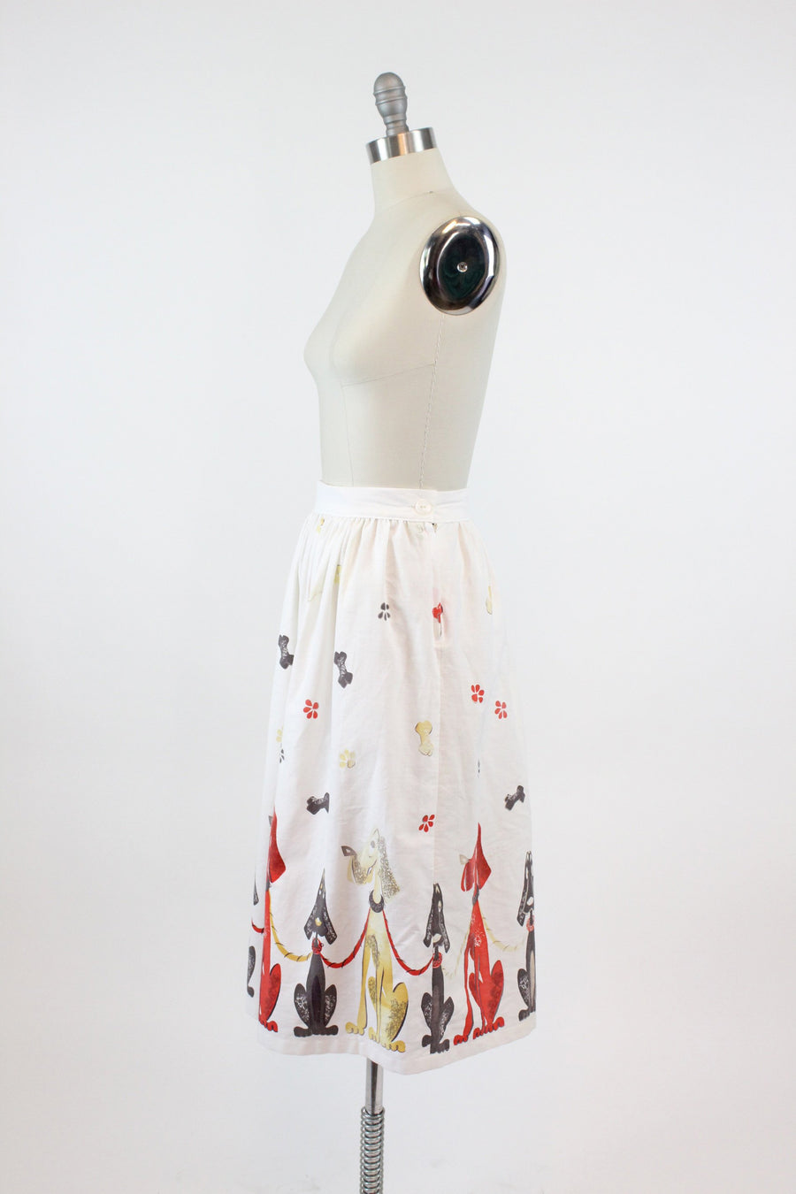 1950s novelty print skirt xs | vintage hound dog cotton full skirt