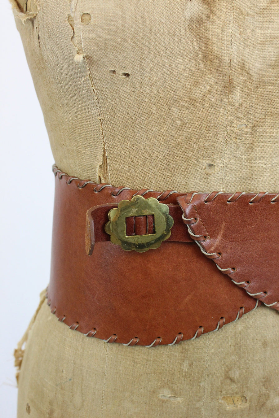 1950s wide leather belt | renaissance kidney belt | medium large