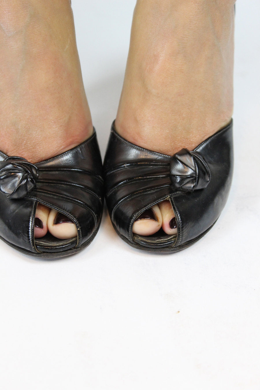 1950s rosette peep toe pumps size 5 us | vintage palizzio new york shoes