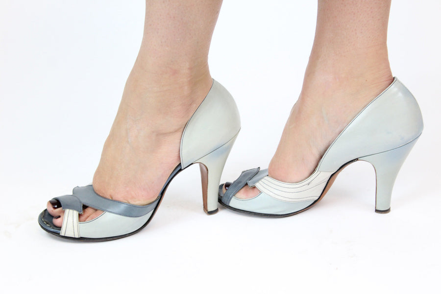 1950s leather pumps | cut out heels | size 6.5