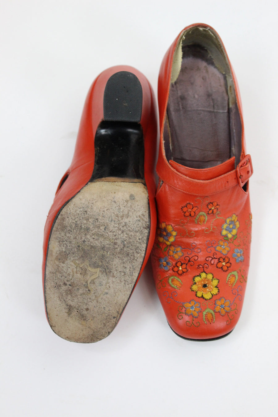 1960s RARE Jerry Edouard shoes | embroidered heeled slip ons | size 7