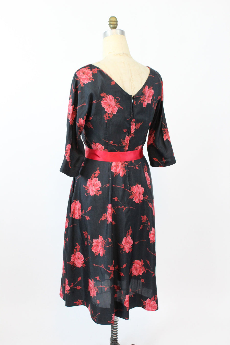 1950s rose print | swing dress raw silk | large