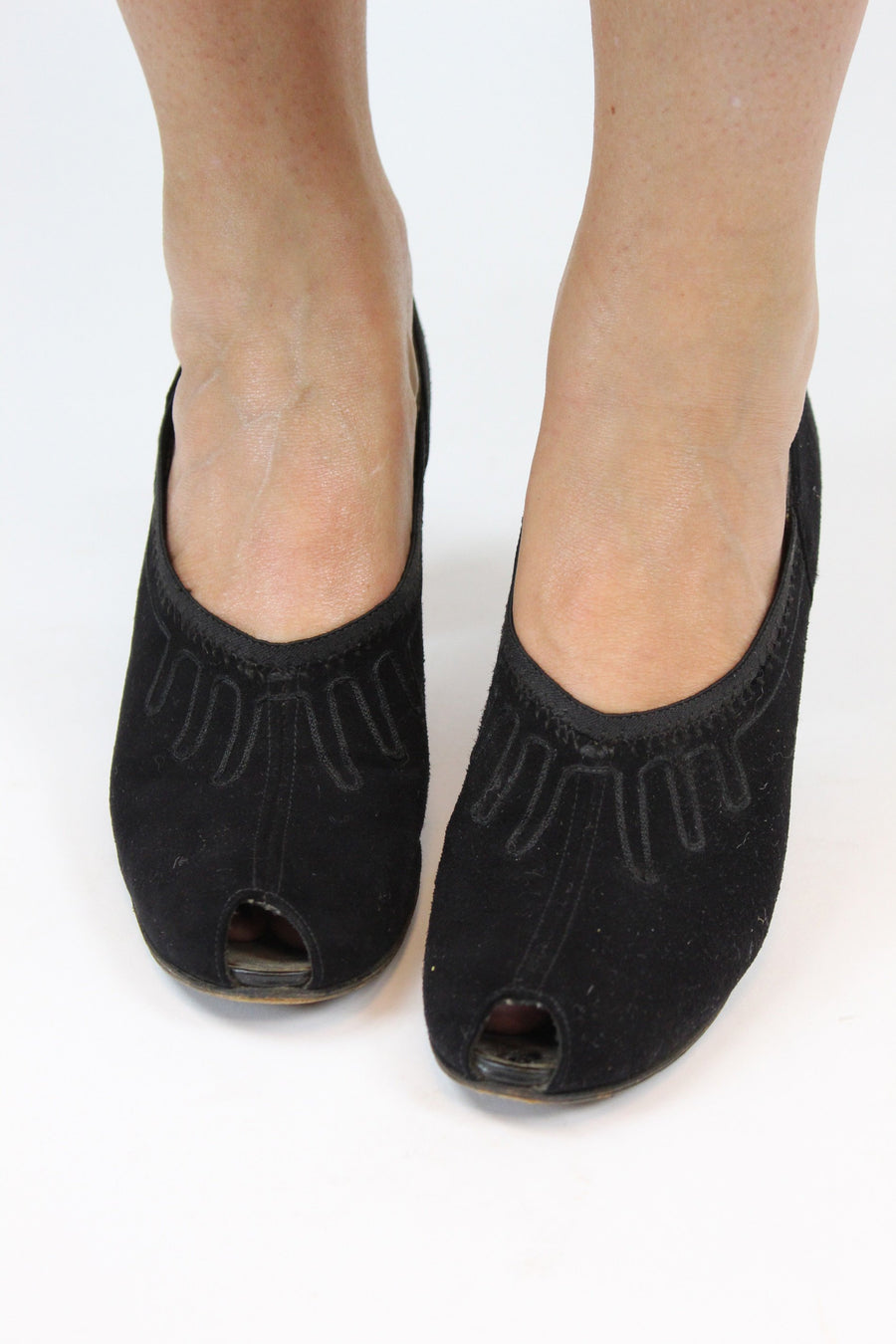 1930s suede peep toe shoes | vintage soutache pumps | size 6.5 us