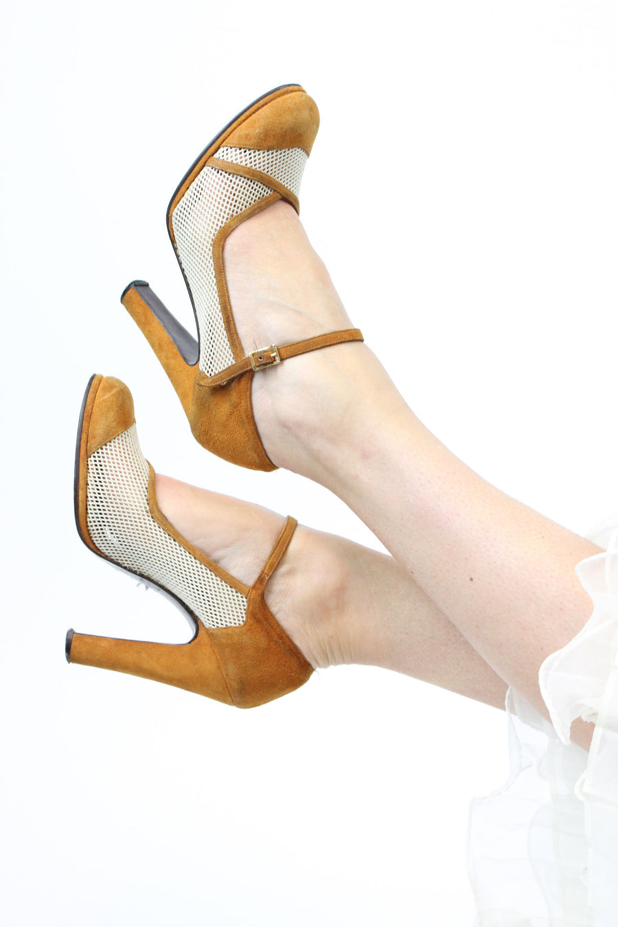 1960's spectator pumps | suede and mesh mary jane | size 6.5