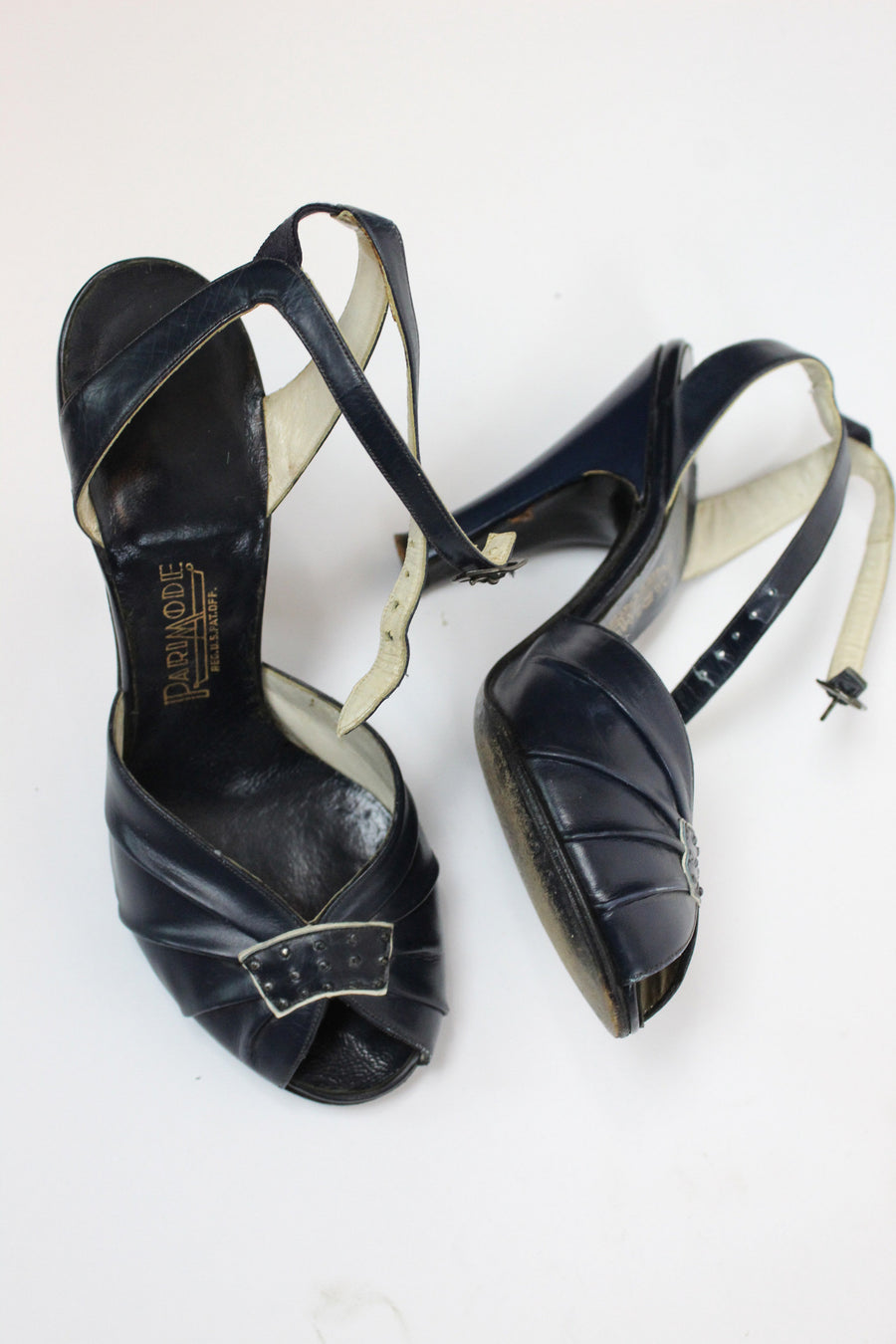 1940s peep toes | ankle strap pumps | size 4.5