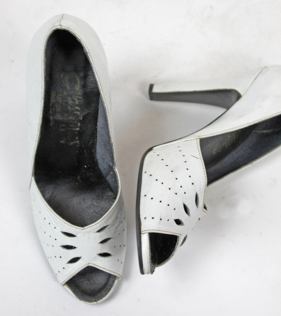 1940's peep toes | leather cutout wedding shoes | size 5