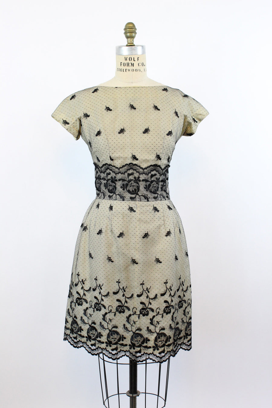 1950s lace dress | vintage natlynn wiggle dress | medium