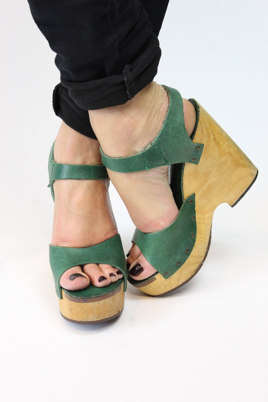 1970s Cherokee wood wedges | vintage peep toe platform shoes | size 5 us