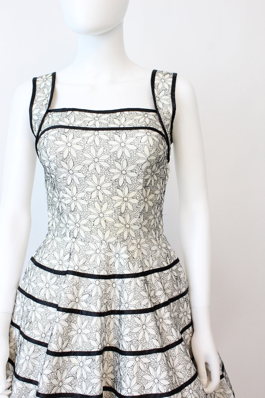 50s embroidered pocket dress | vintage cotton dress | xs