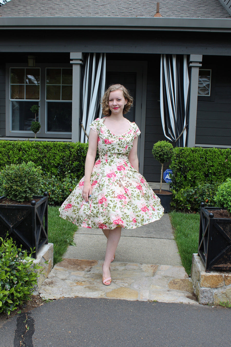 1950s Suzy Perette halter dress small | silk rose print dress