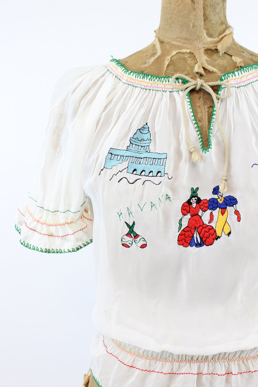 1940s rayon embroidered hungarian blouse | novelty top | xs