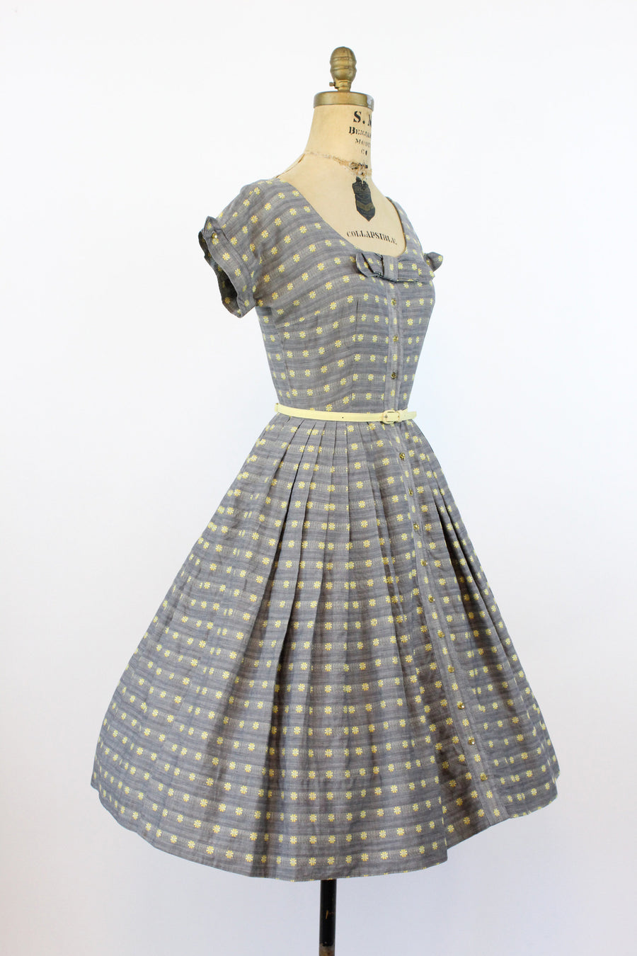1950s floral daisy print cotton dress | vintage full skirt floral | xs small