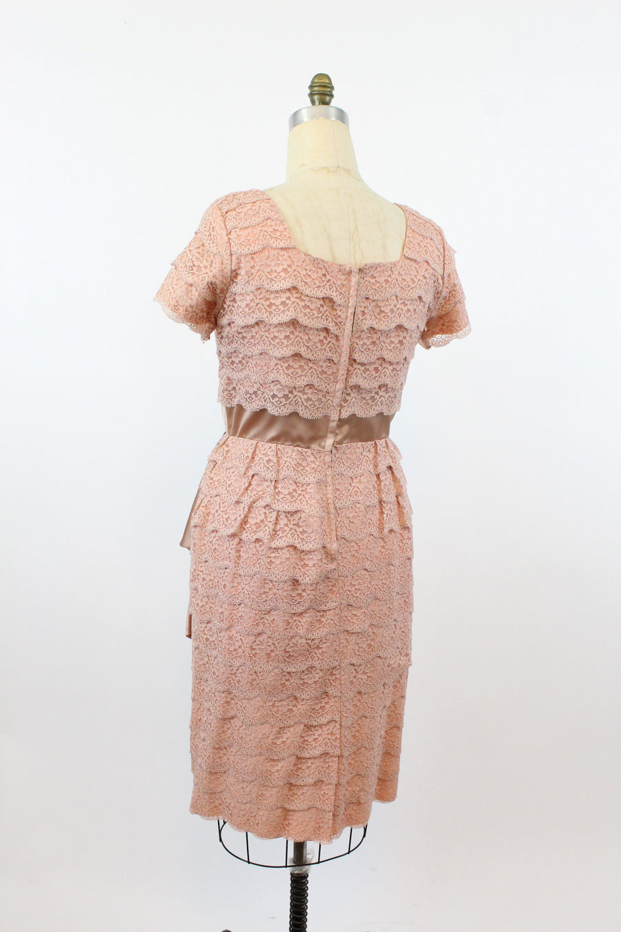 1950s lace wiggle dress | tiered column sash | XL - VOLUP jkc