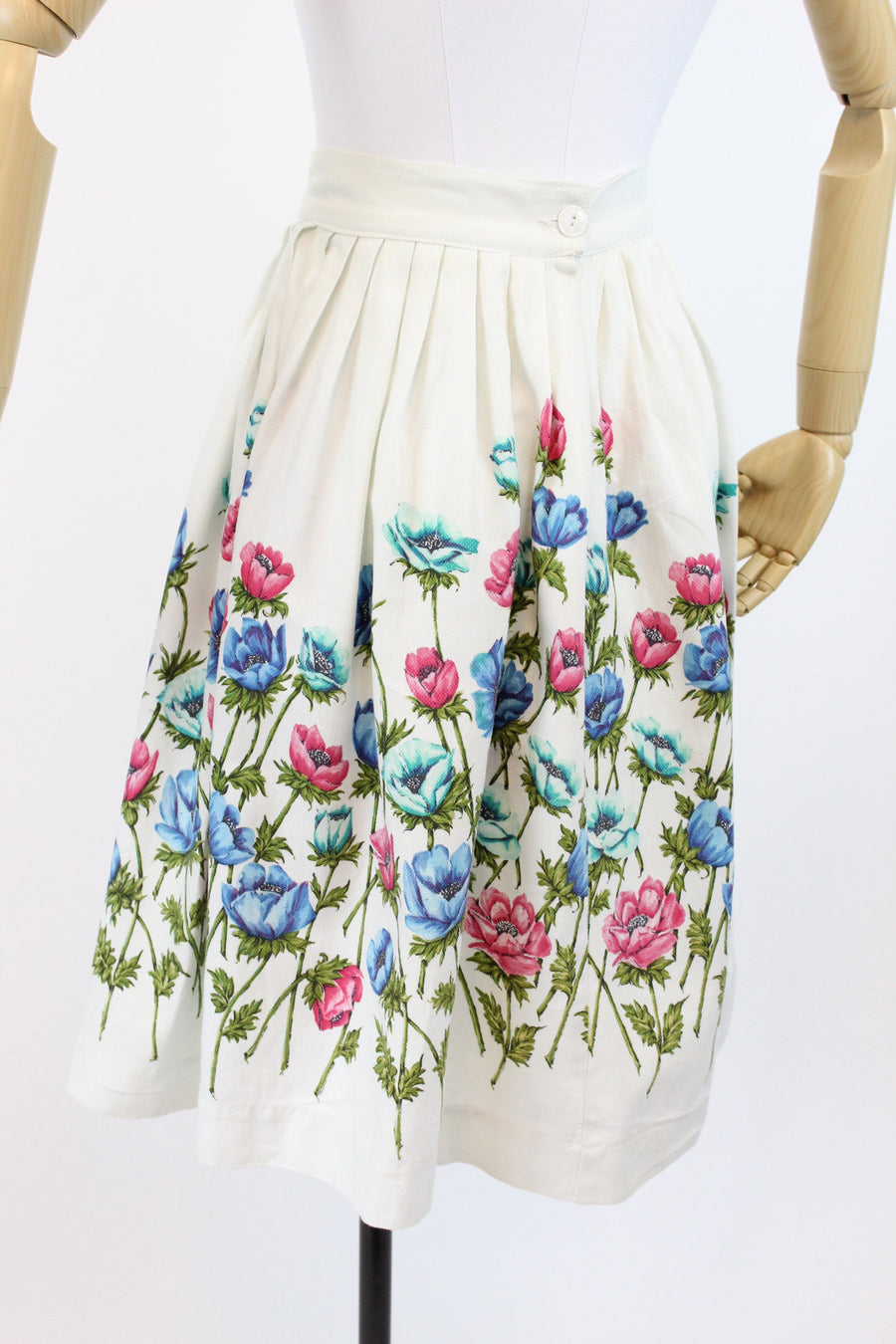1950s John Wolf anemone cotton skirt xs | vintage pique floral skirt
