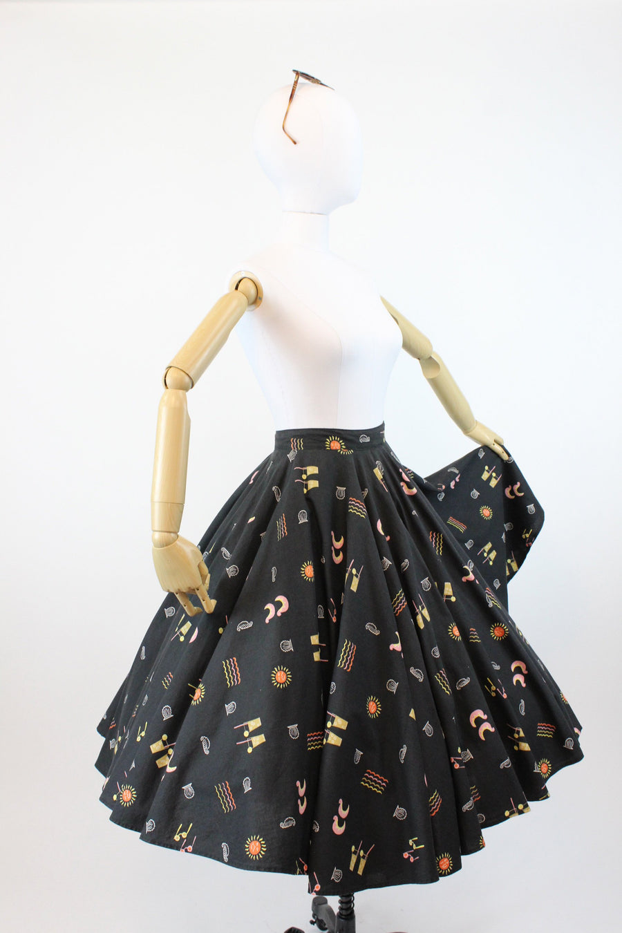 1950s asian acrobats skirt | cotton novelty print circle skirt | small