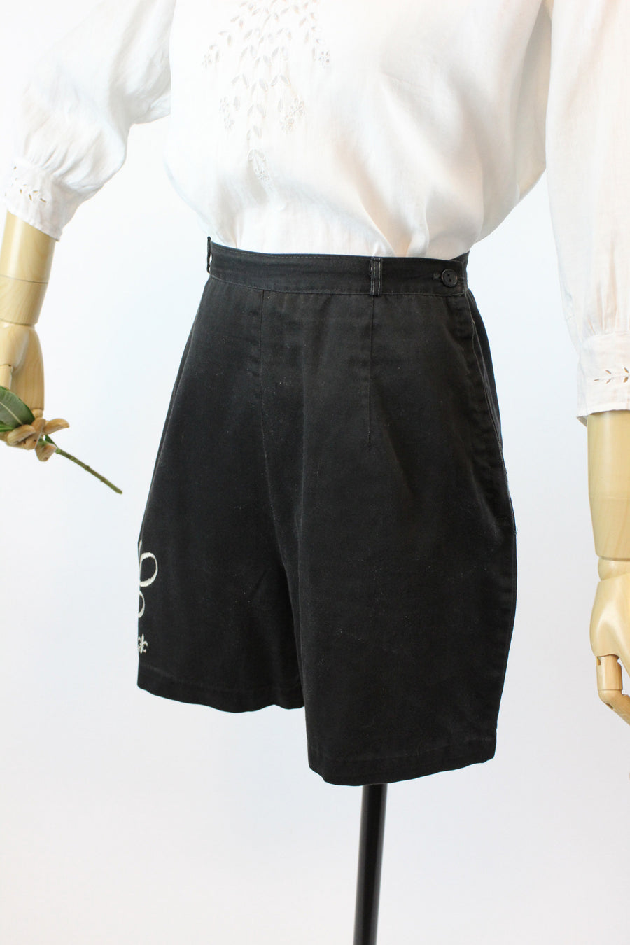 1950s cotton monogrammed shorts xs | vintage high waisted shorts