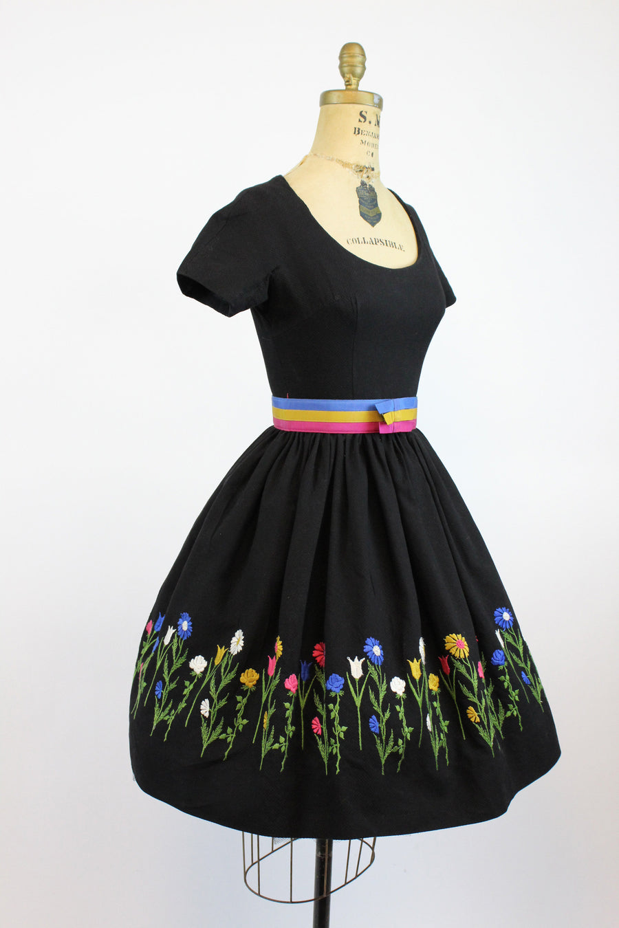 1950s embroidered cotton pique dress xs | vintage full skirt | new in