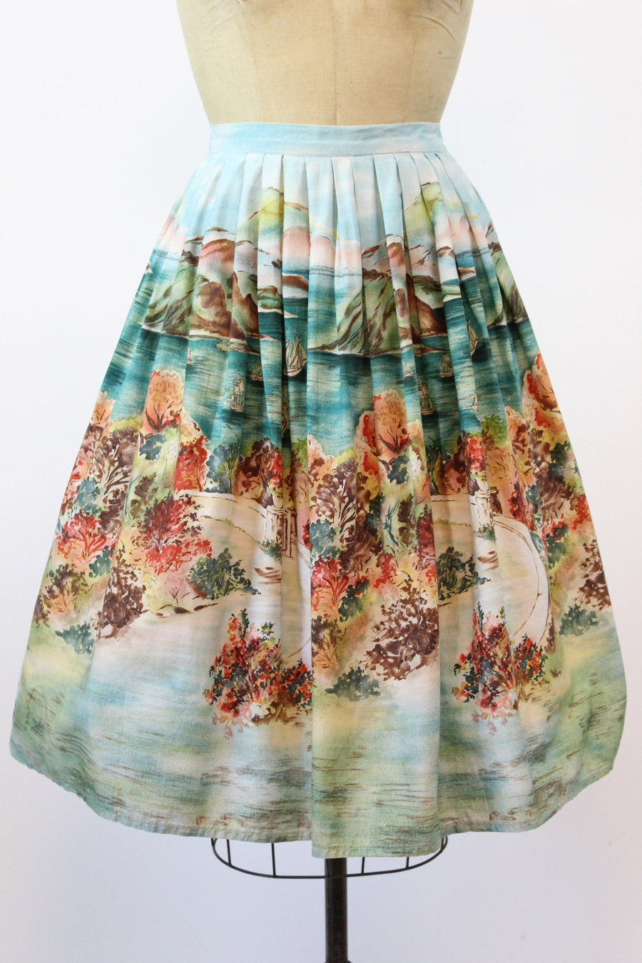 1950s novelty print skirt small | vintage cotton romantic gardens skirt  | new in