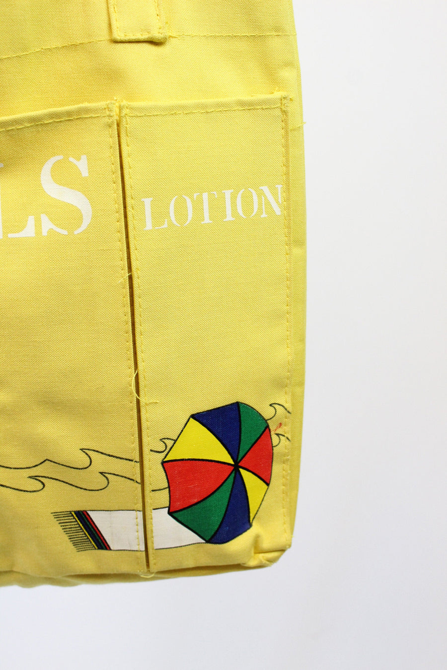 1960s beach tote handbag | vintage novelty print bag towels lotion