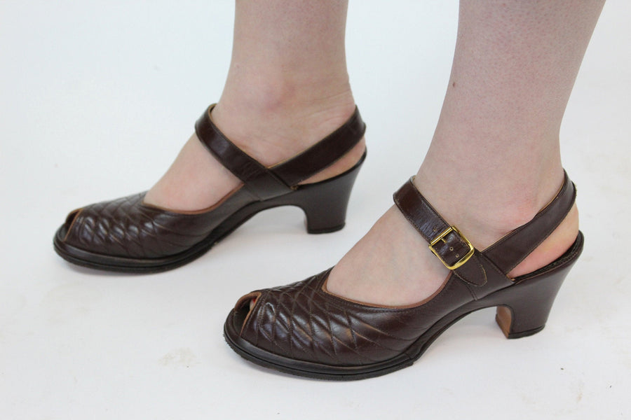 1940s quilted peep toe shoes size 6.5 us | vintage sandals | new in