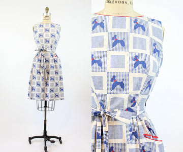 1950s Swirl poodle print dress small medium | vintage dog print wrap dress | new in