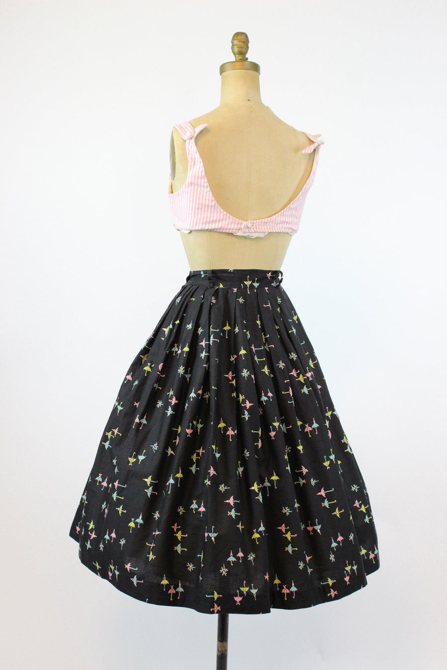 1950s umbrella print skirt small | vintage novelty cotton skirt | new in
