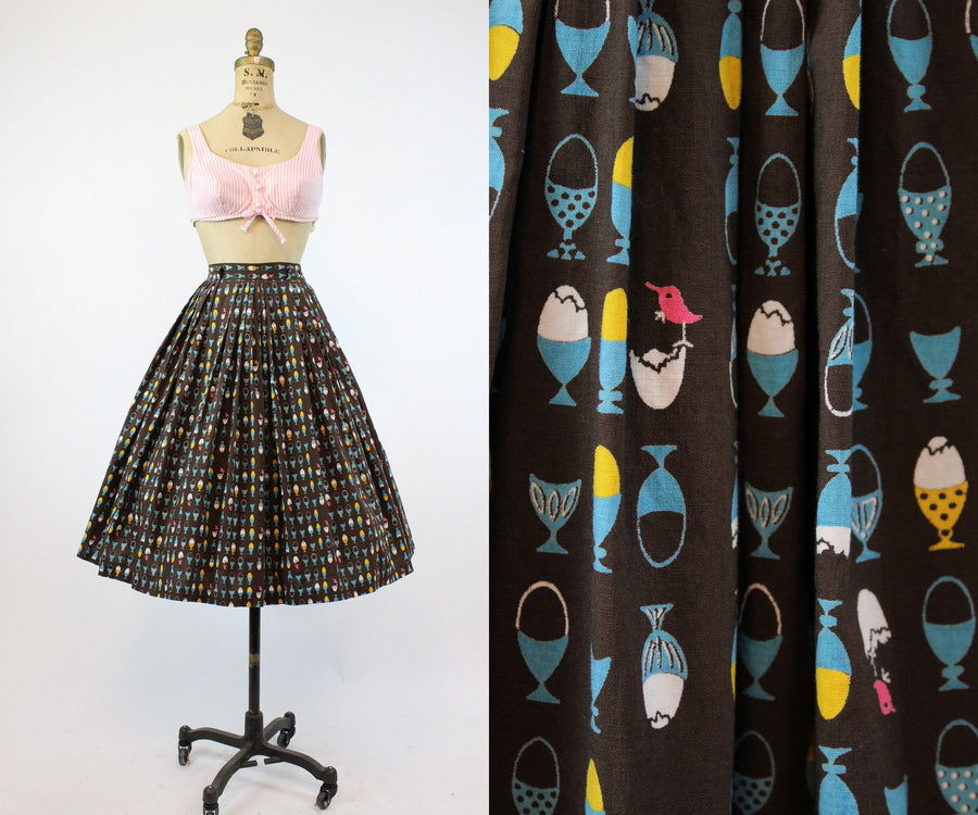 1950s egg cup hatching birds skirt xs | vintage novelty Disney skirt | new in