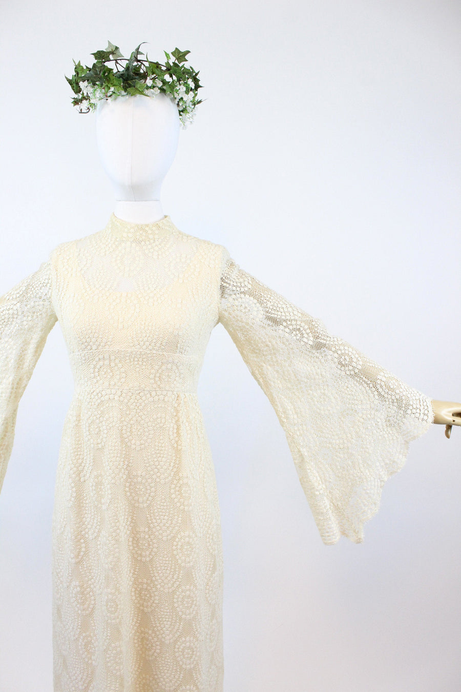 1970s ANGEL SLEEVES lace wedding dress xs small | new fall