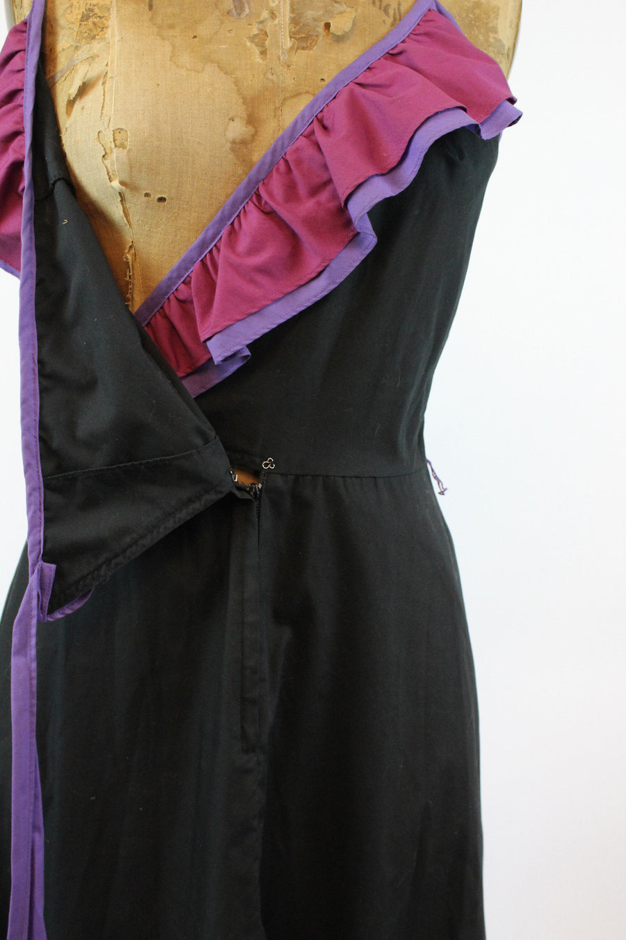 1970s ruffle wrap cotton dress small | new in |  JMC