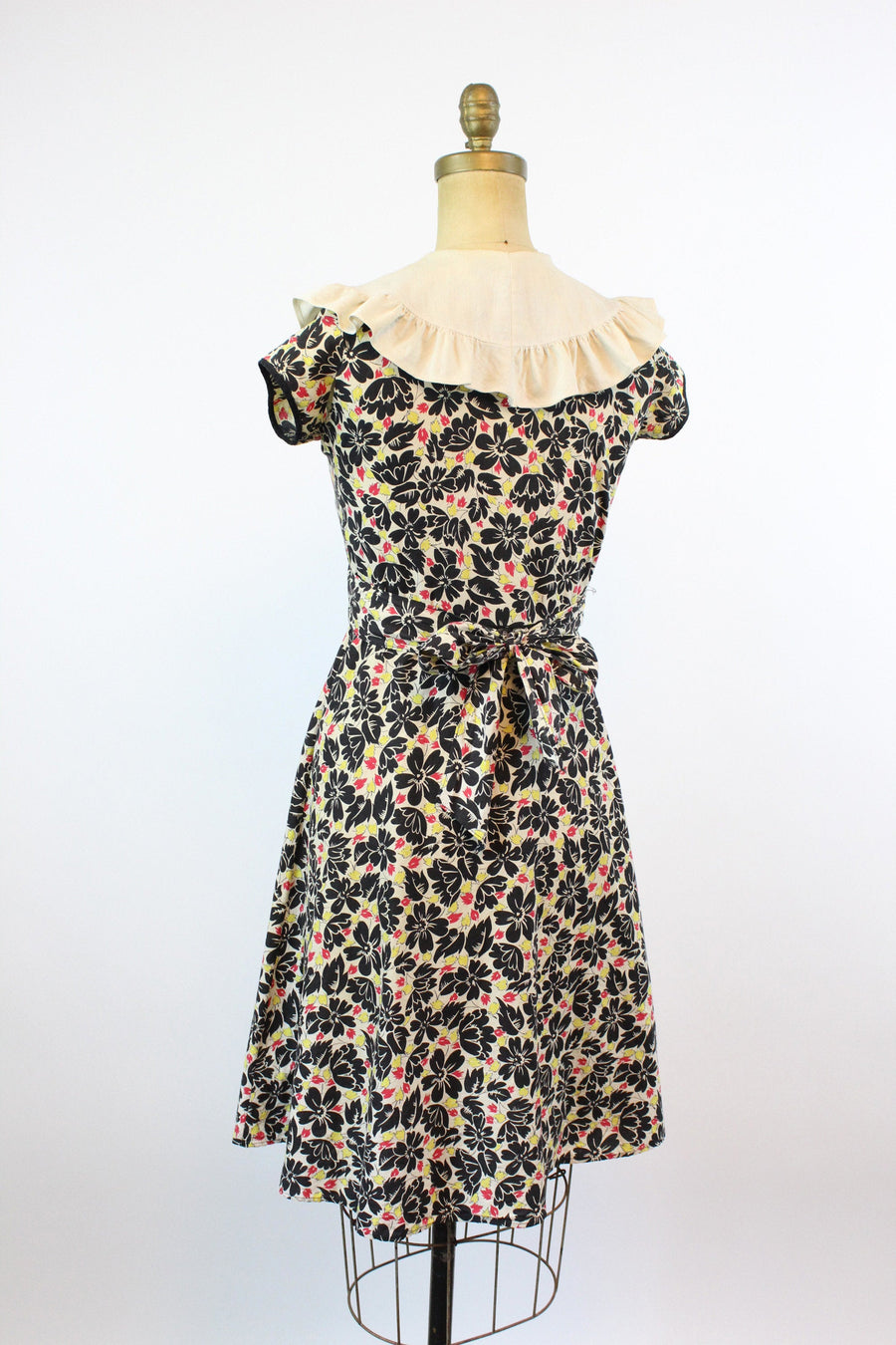 1930s cotton FEEDSACK floral dress xs | new fall