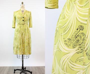 1940s ROOSTER print dress large volup rayon novelty | new fall