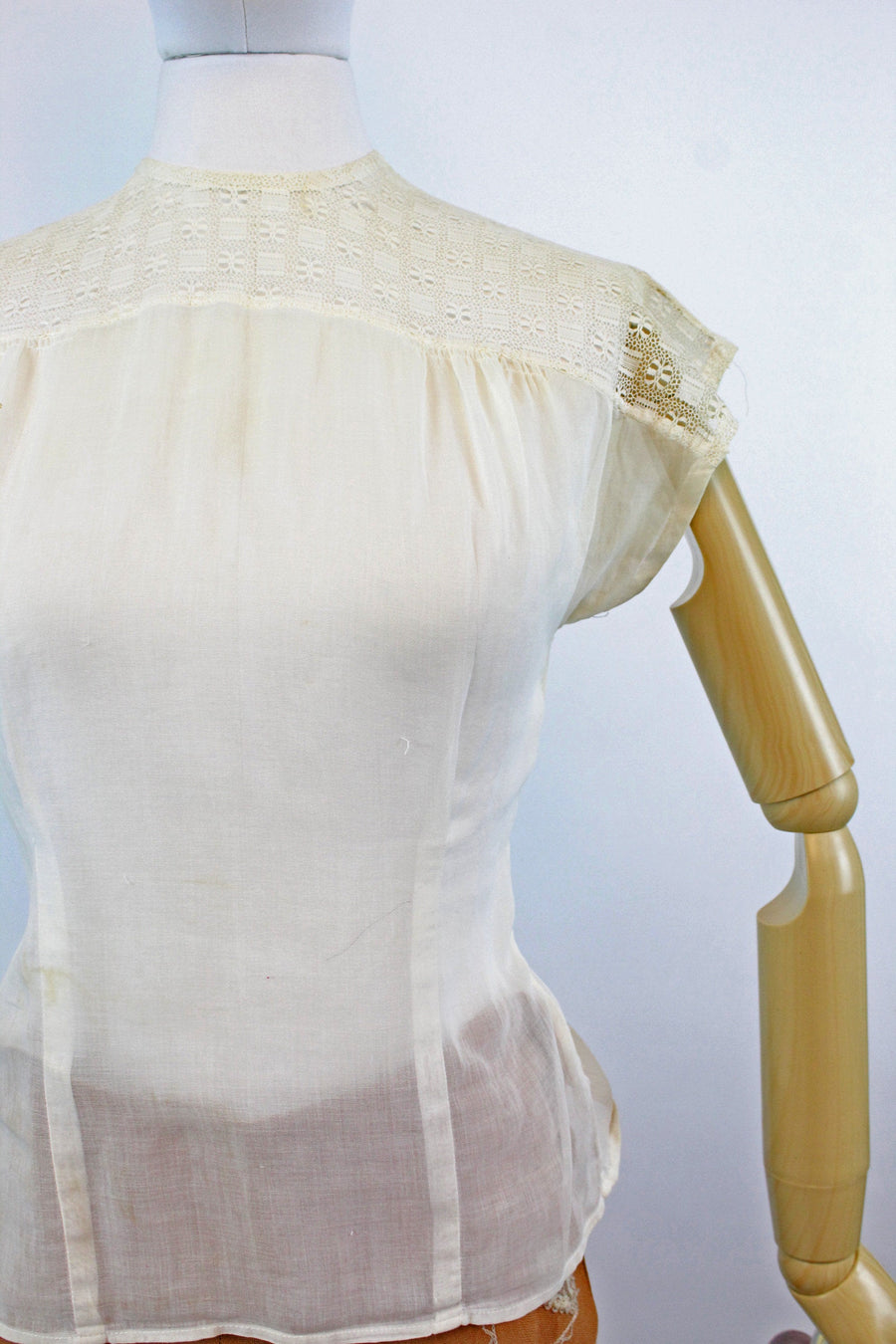 1950s cotton and LACE blouse xs | new fall