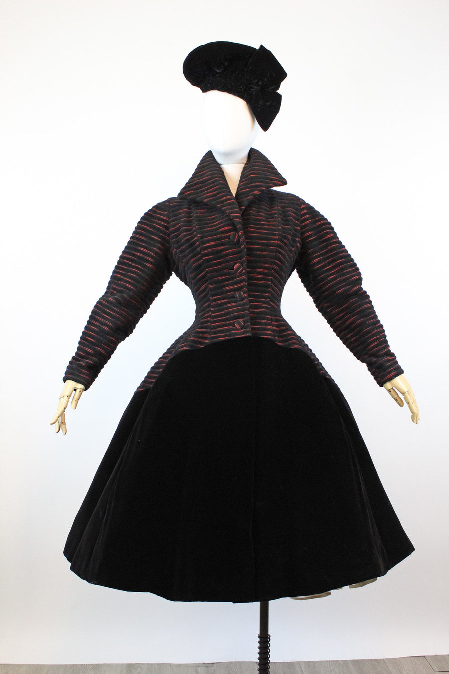 1950s LILLI ANN velvet princess coat xs | new fall