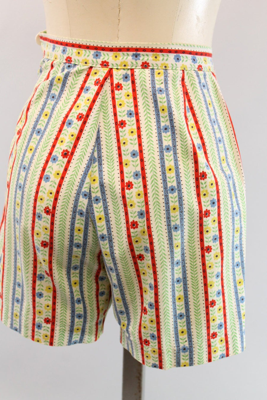 1960s cotton shorts xs | floral and stripe shorts