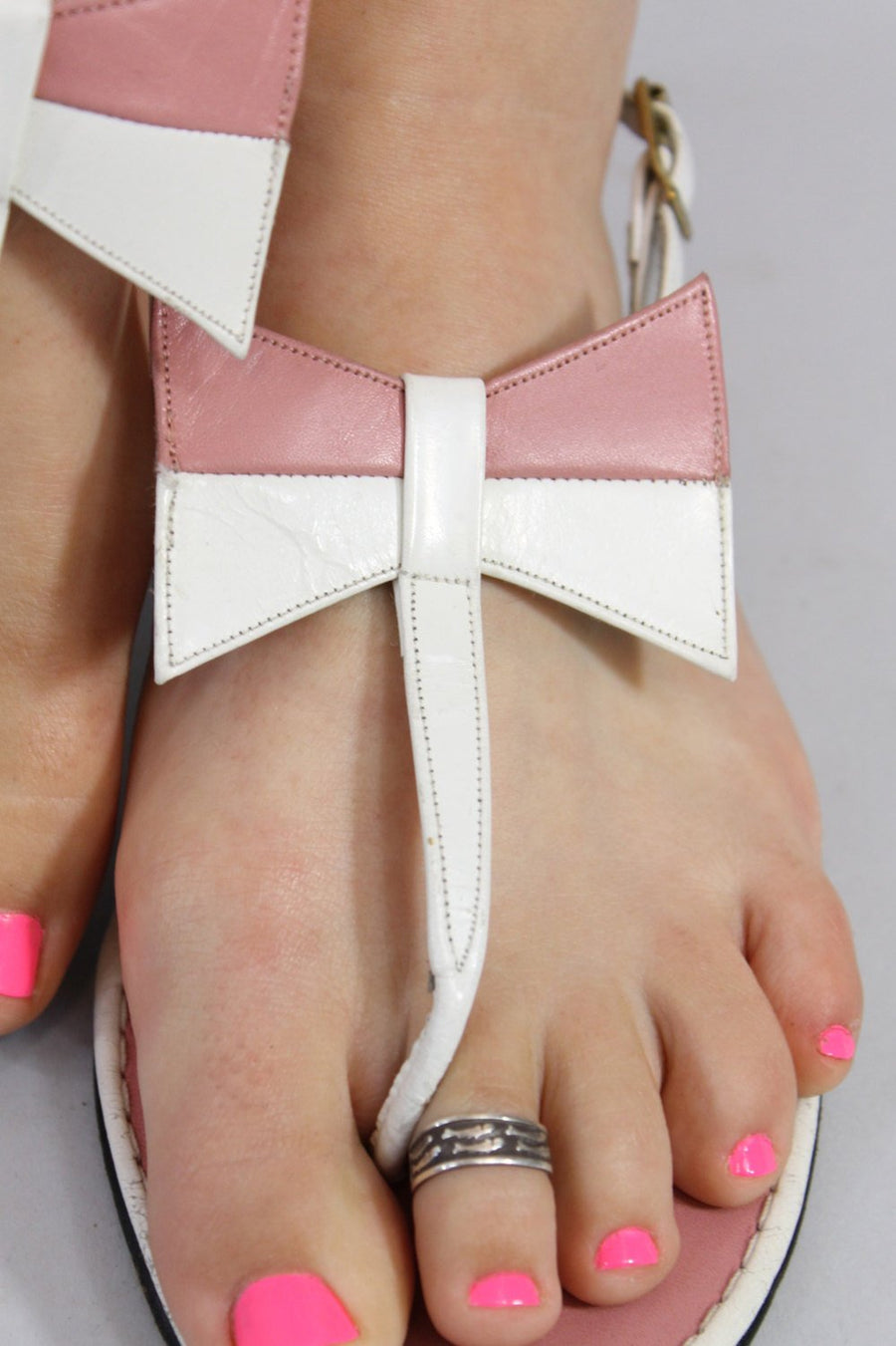 1970s Italian bow sandals | vintage pink white flats | size 6.5 us