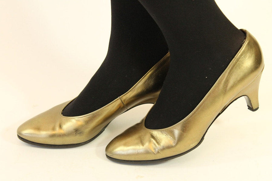 1980s Charles Jourdan shoes | vintage gold pumps | size 7 us