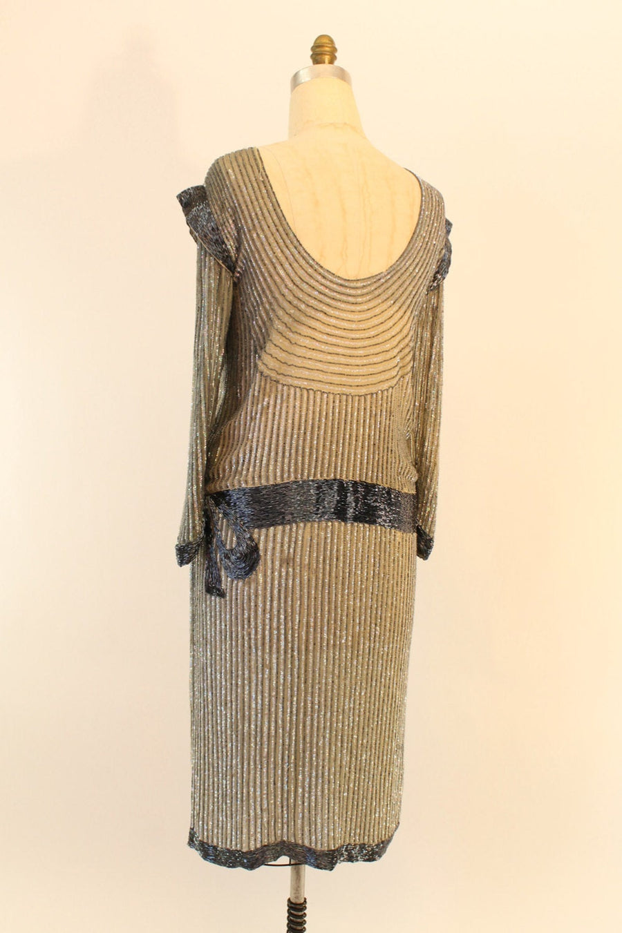 80s does 20s Dress Silk Beaded Medium / 1980s Vintage Dress Dropwaist Sequin Bow / De Luca Debs Dress