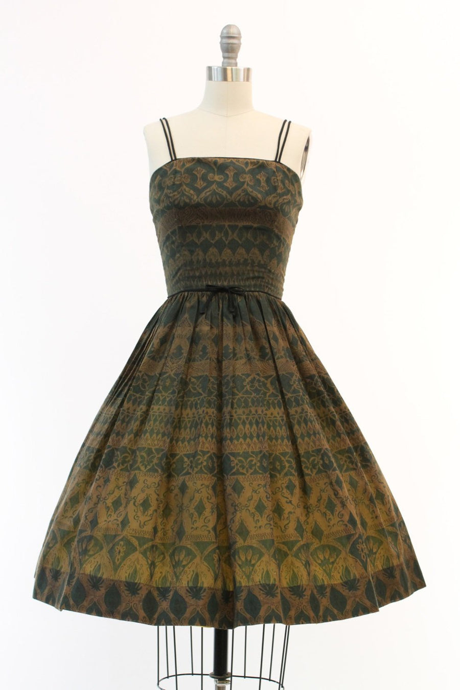 1950s batik print dress | vintage cotton sundress novelty | size xxs