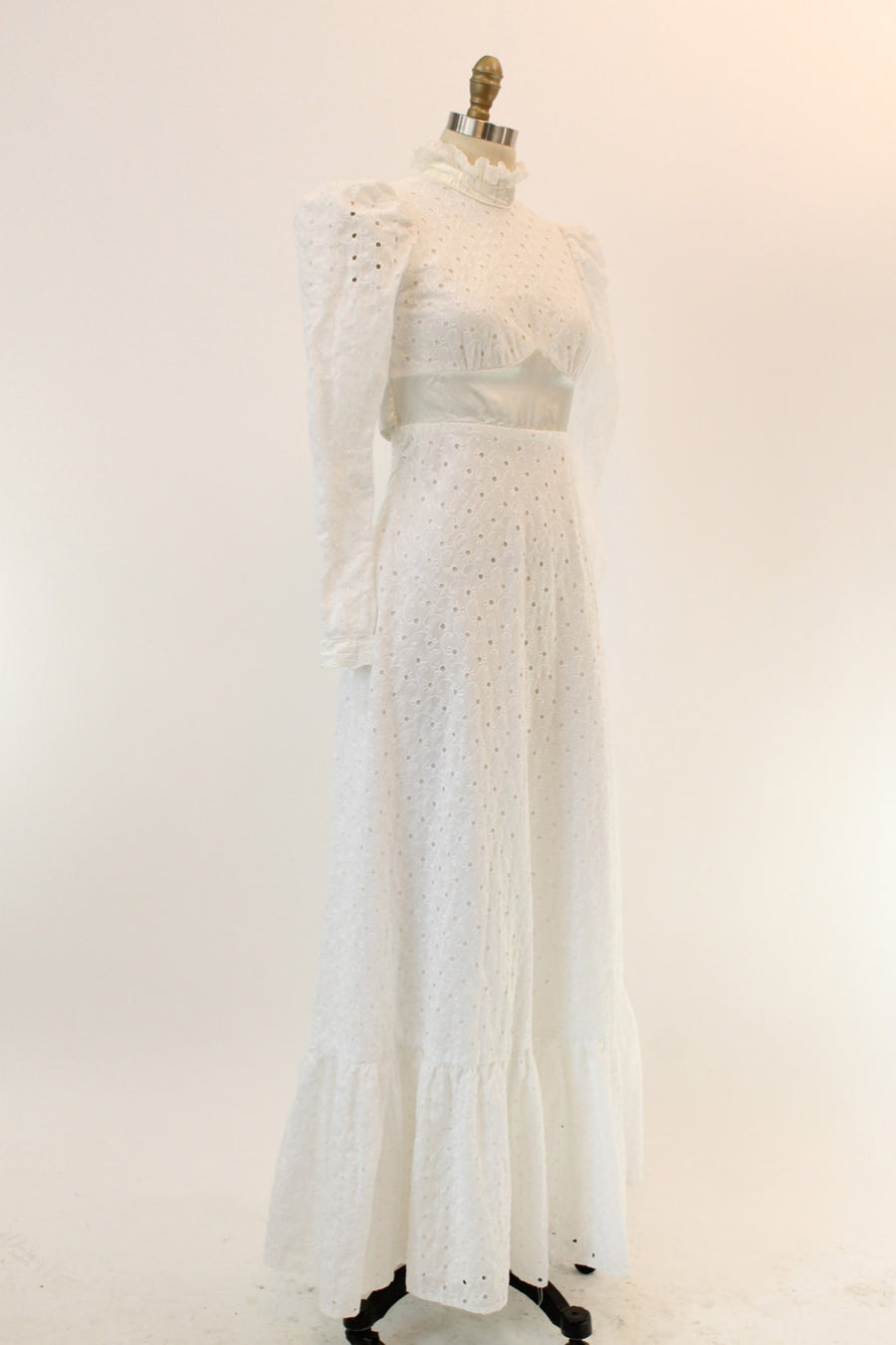 70s Dress Broderie Anglaise Lace Maxi S / 1970s Wedding Dress Eyelet Lace /  I Am in Love Dress