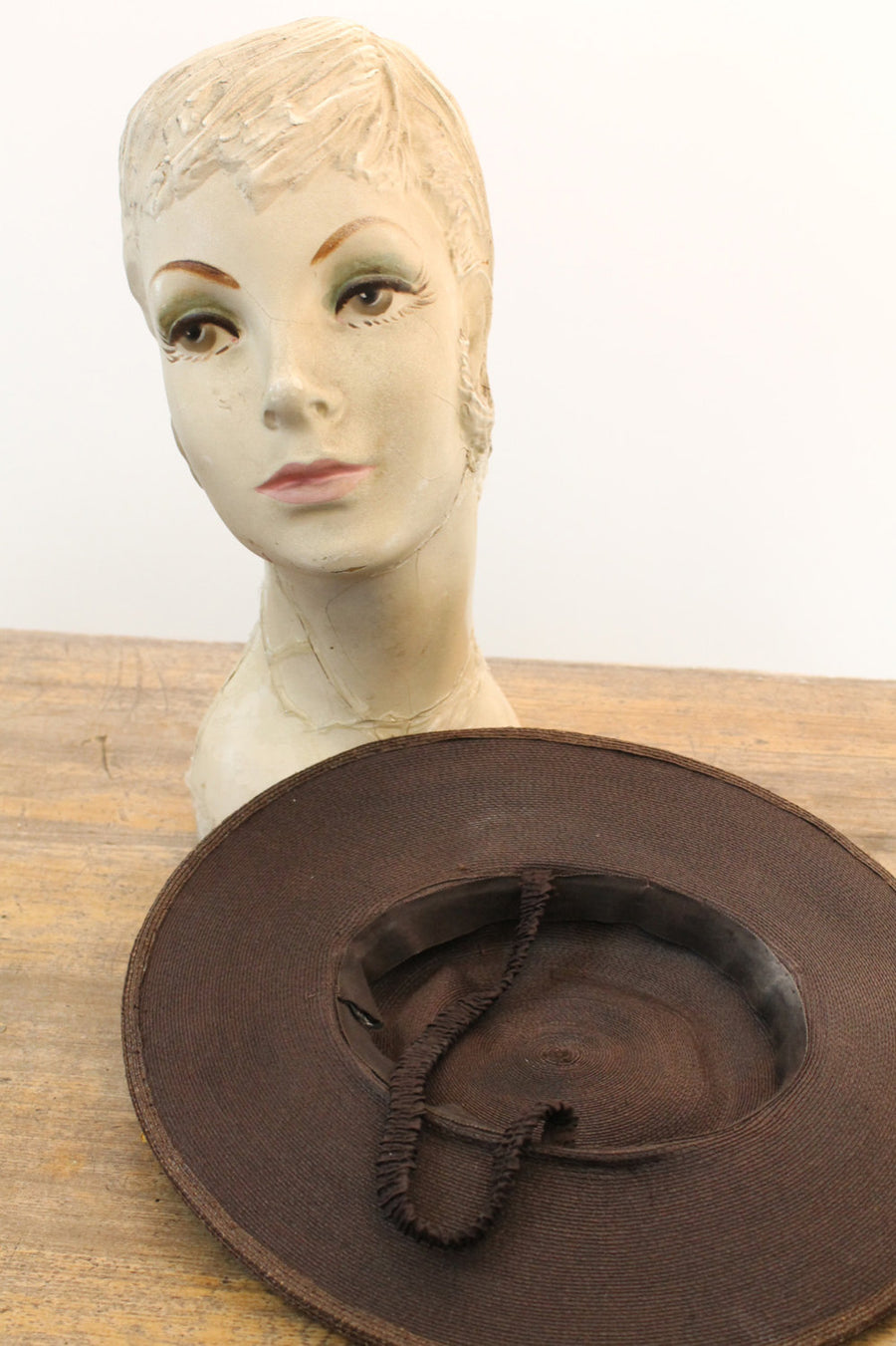 1940s brown straw wide brim hat | vintage picture daisy flowers hat