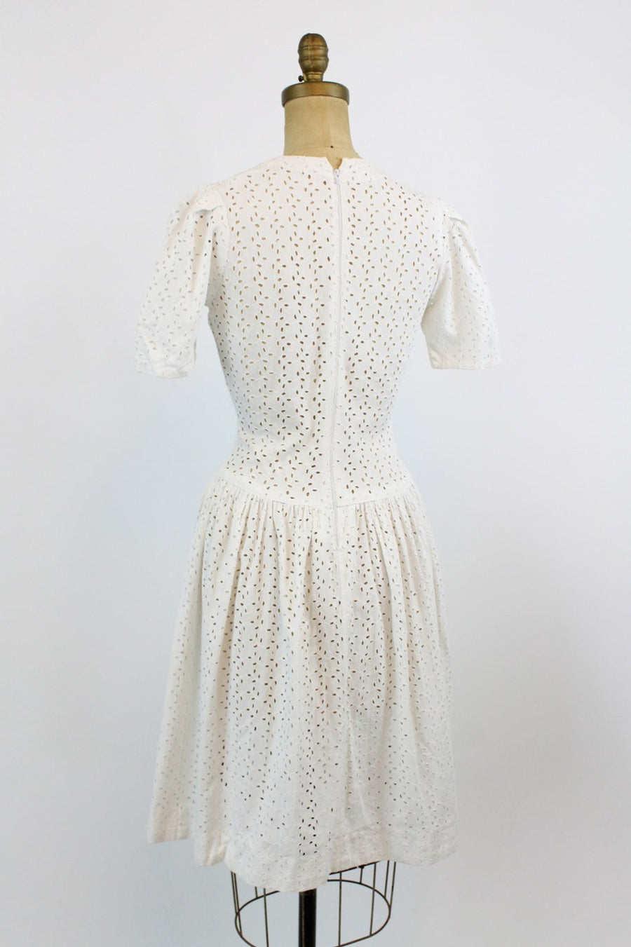 1940s eyelet dress | vintage summer dress puffed sleeves | xs